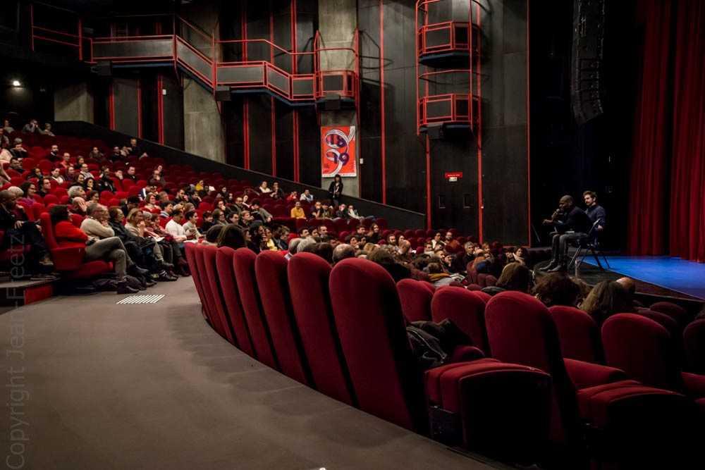 Rencontre avec les artistes après une représentation dans le Grand Théâtre du Moulin du Roc à Niort